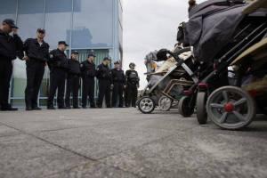 Bosnian-police-confront-babies